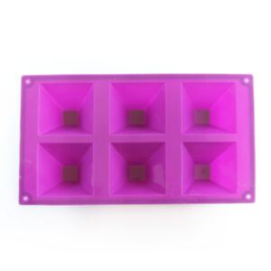 SOAP SILICONE MOLD – แม่พิมพ์สบู่ รูปพีระมิด สีม่วง 100 กรัม