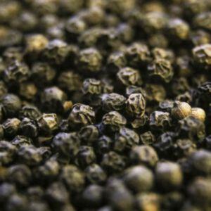 BLACK PEPPER ESSENTIAL OIL (น้ำมันหอมระเหยพริกไทยดำ)
